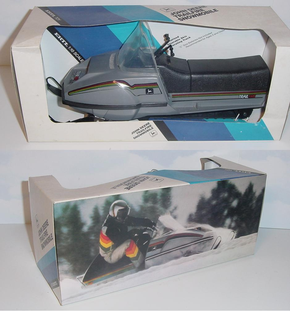 JD JDX8 Gold Snowmobile NIB